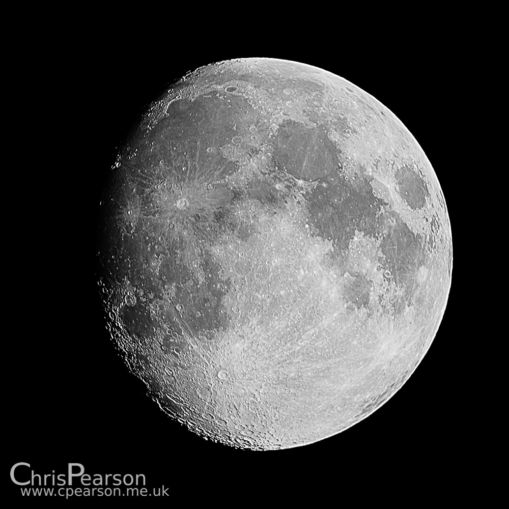 A waxing gibbous moon (91%) imaged from Surrey, UK.